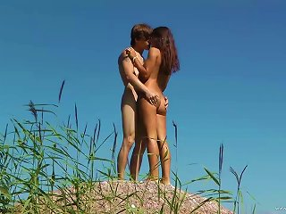 Wondrous Brunette Teen Gets Fucked By Her Bf Outdoors